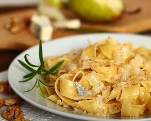 Pasta served with a pear, Gorgonzola cheese and walnut sauce